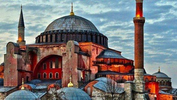 Ayasofya'nın Cami Olmasını Nasıl Değerlendiriyorsunuz?