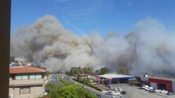 Hatay'da Orman Yangını Paniği: Yerleşim Yerlerine de Sıçradı!