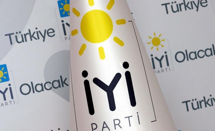 İYİ Partili 9 Milletvekili İhraç Edilen Cemal Enginyurt'la Buluştu