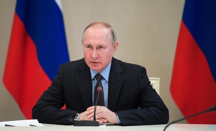 Putin Açıkladı: Rusya'da İkinci Koronavirüs Aşısı Tescillendi