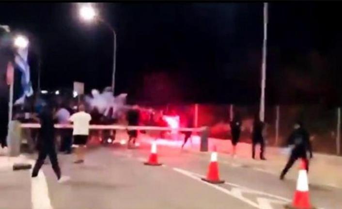 Rumlar'dan 'Akıncı' Sevinci: Sınır Kapısına Saldırdılar