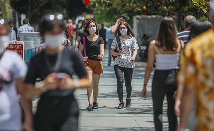 Açık Alanlarda Yürürken Sigara İçmek Yasaklandı