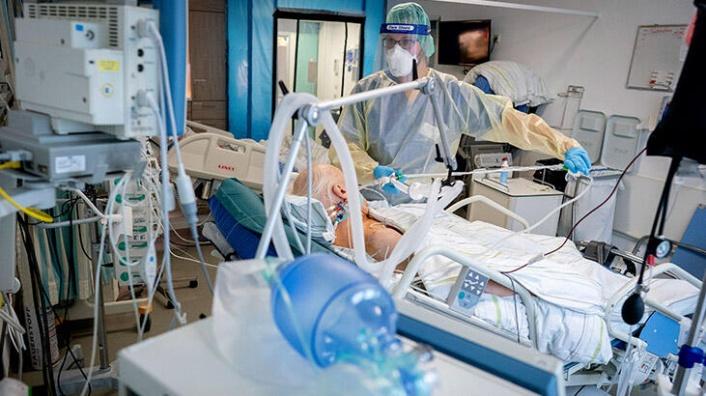 Akıllara Durgunluk Veren Olay: Korona Hastalarını İğneyle Öldürdü!