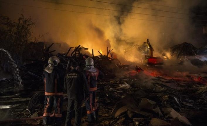 Ankara'da Saatler Süren Yangın: Geriye Sadece Külleri Kaldı