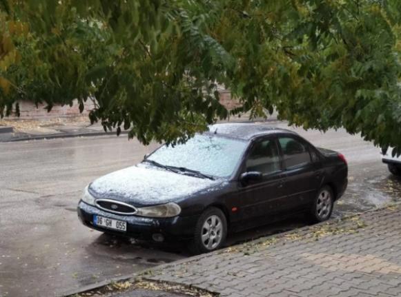 Ankara'ya Yılın İlk Karı Yağdı!