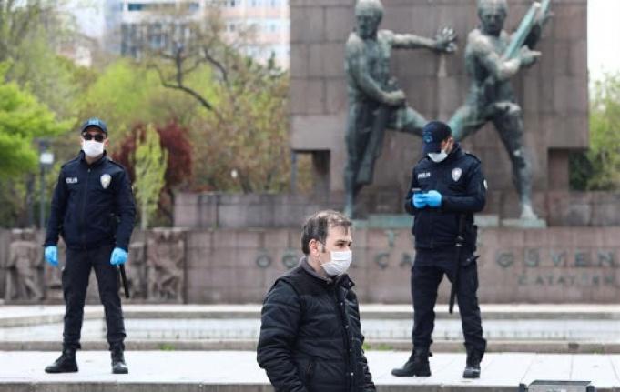 Ankara'da Sokak Kısıtlamasına Uymayan 1723 Kişiye Ceza