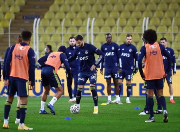 Fenerbahçe'de 3 Futbolcunun Koronavirüs Testi Pozitif