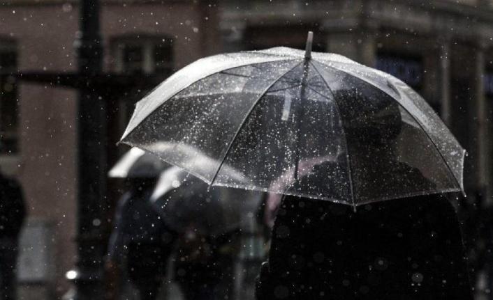 Türkiye'de Yarından İtibaren Ilık ve Yağışlı Hava Etkili Olacak