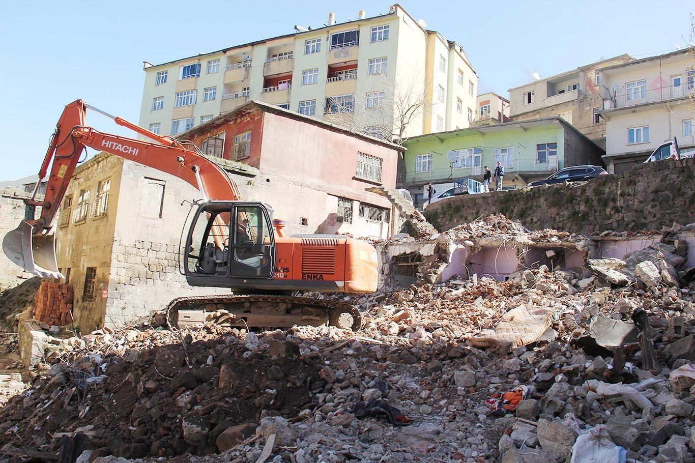 Ankara'da metruk yapılara yıkım kararı!