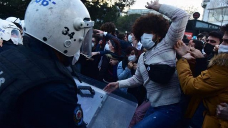 Boğaziçi'nde Gözaltına Alınan 17 Kişiden 15'inin Öğrenci Değil!
