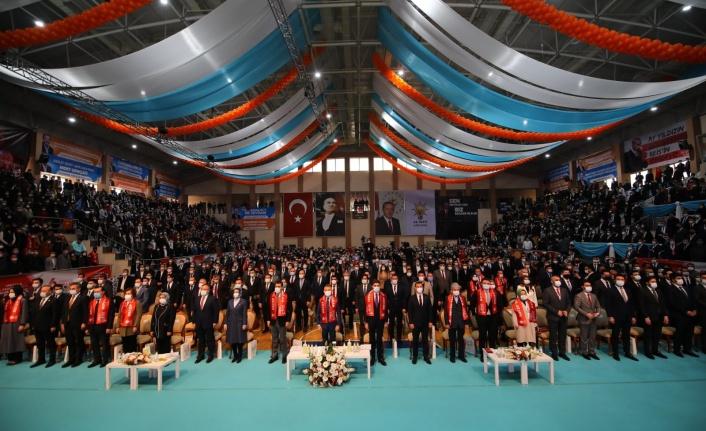 AK Gençlik Ankara Başkanı Burak Yıldız Kongrede Güven Tazeledi