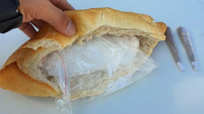 Ankara'da Ekmek Arasına Gizlenmiş Halde Bulundu