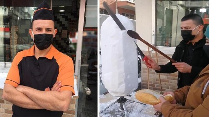 Ankara'da Kardan Döner Yapıldı: Ekmek Arası Yediler!