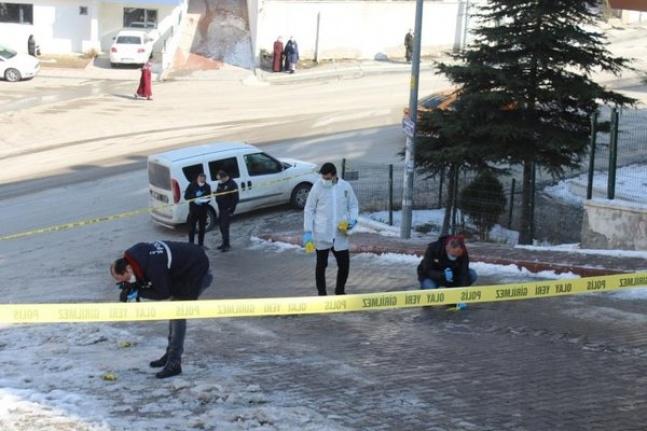 Ankara'da Sokak Ortasında Dehşet: Genç Kadını Silahla Öldürdüler