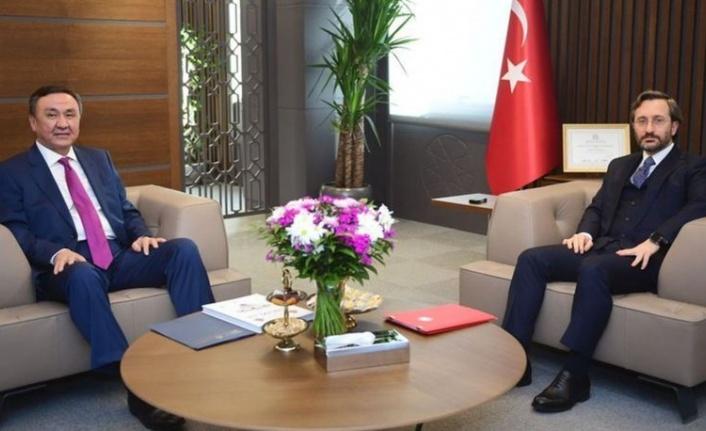 İletişim Başkanı Fahrettin Altun, Çin Halk Cumhuriyeti Ankara Büyükelçisi ile Görüştü