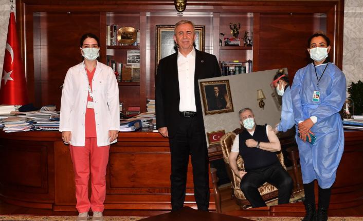 Mansur Yavaş Koronavirüs Aşısı Yaptırdı