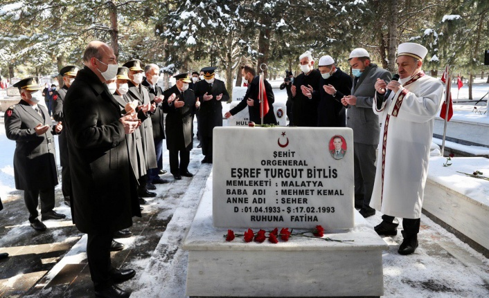 Süleyman Soylu Eşref Bitlis'i Mezarı Başında Andı