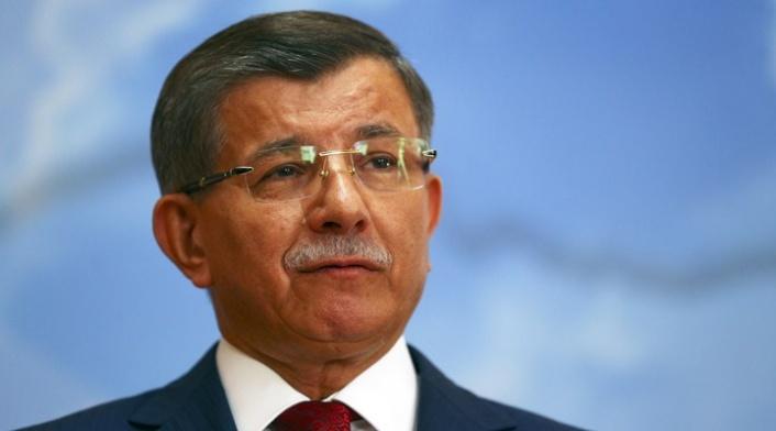 Ahmet Davutoğlu: Teravih Namazını Camide Kılmaya Gerek Yok