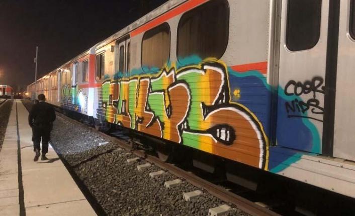 Ankara'da Şaşkına Çeviren Olay: Metro Trenini Boyarken Yakalandılar