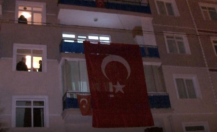 Ankara'ya Şehit Ateşi Düştü: Evi Türk Bayraklarıyla Donatıldı