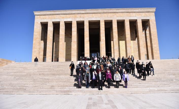 Büyükşehir Belediyesi 8 Mart'ta Başkentli Kadınları Buluşturdu
