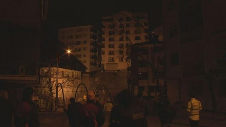 Ankara'da 8 Katlı Apartmanın Temeli Kaydı: Çökmesi An Meselesi!
