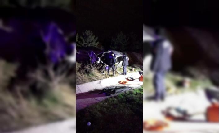 Ankara'da Otomobil Kamyona Arkadan Çarptı: Sürücü Hayatını Kaybetti