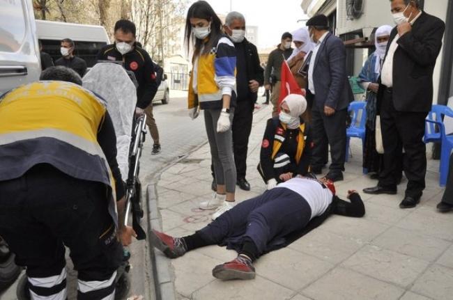 HDP'den Alçak Provokasyon: Anneler Fenalık Geçirdi!
