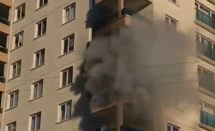 11 Katlı Binada Feci Yangın: 8 Kişi Yangından Etkilendi