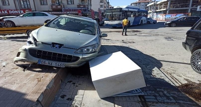 Ankara'da Korkunç Trafik Kazası: 3 Yaralı