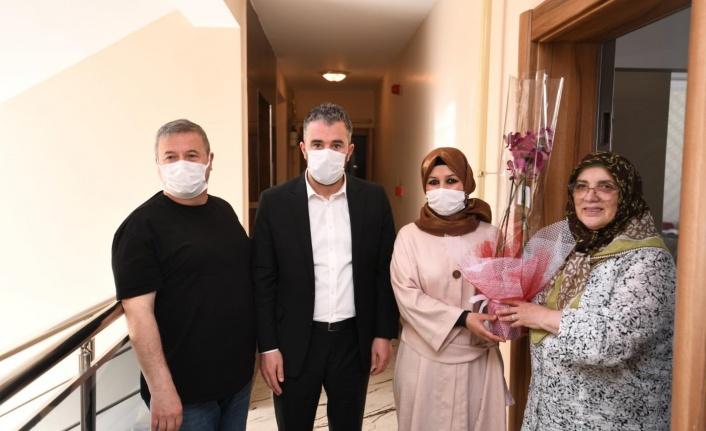 Başkan Ertuğrul Çetin'den Anneler Gününde Şehit Ailelerine Ziyaret