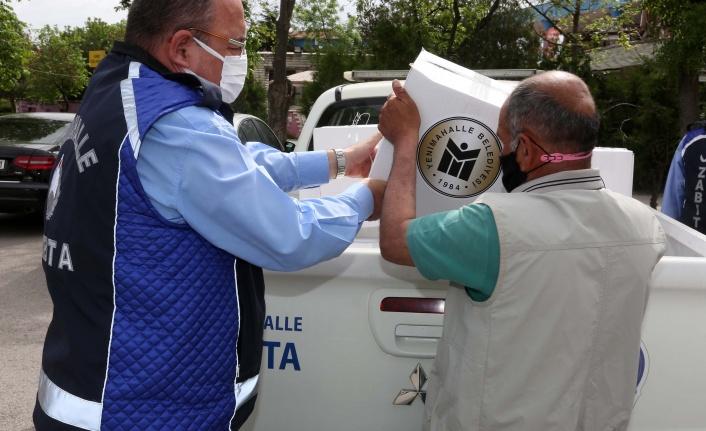 Kapalı Olan Esnafın Gıda Kolisi Evlere Teslim Edildi