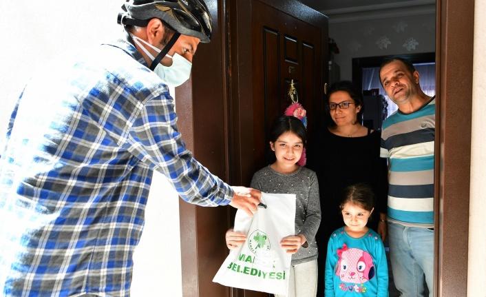 Mamak Belediyesi'nden Kitap Kapınızda Projesine Yoğun İlgi