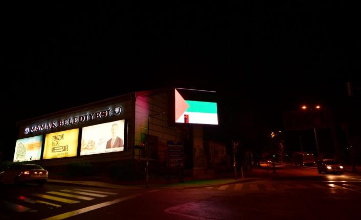 Mamak'ta Led Ekranlara Filistin Bayrağı Yansıtıldı