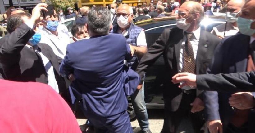 Meral Akşener'in Ziyaretinde İYİ Partililer Rize Esnafını Yumrukladı!