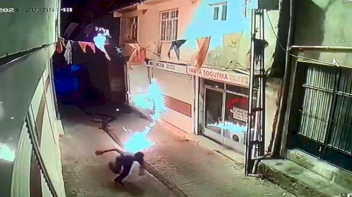 Ak Parti İlçe Binasına Molotof Kokteylli Saldırı!