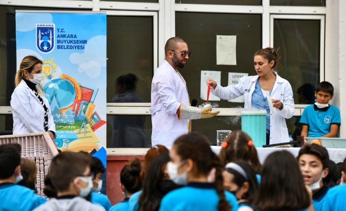 Ankara'da Feza Gürsey Bilim Merkezi Eğitimlere Başladı