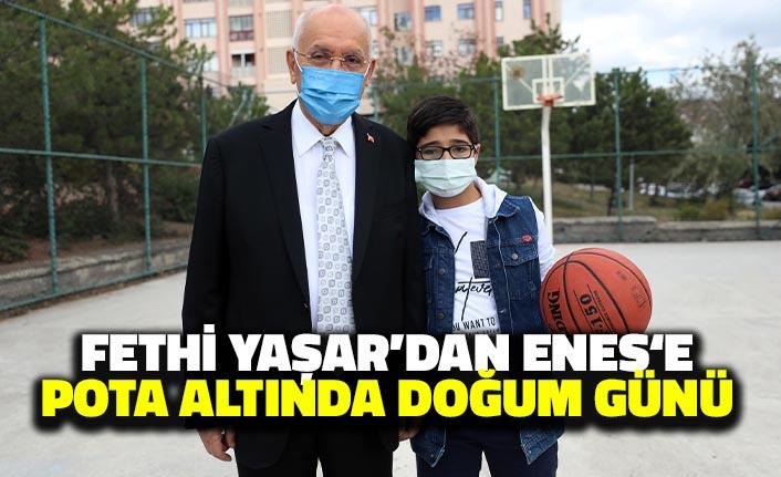 Fethi Yaşar'dan Enes'e Pota Altında Doğum Günü