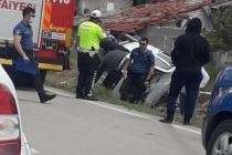 Ankara'da köpeğe çarpmamak için araç takla attı