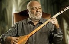 Musa Eroğlu Müzisyenlere Destek Olmak için Bağlamasını Satışa Çıkardı!