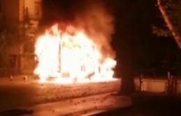 Ankara'da Alev Topuna Dönen Kamyonet Panik Yarattı!