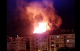 Ankara'da Bir Apartmanın Çatı Katında Korkutan Yangın