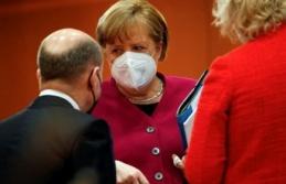 Almanya 'Öldürüyor' Diye Durdurdukları Aşıyı Evsizlere Vuracak!