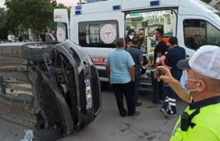 Ankara'da Otomobil Yan Yattı: Yaralılar Var!