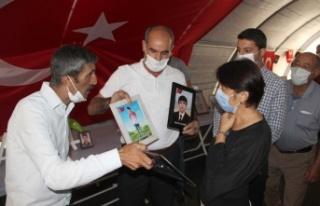 Evlat Nöbetindeki Aileler Ziyarete Gelen CHP'lilere...