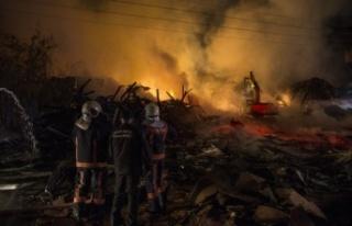 Ankara'da Saatler Süren Yangın: Geriye Sadece...