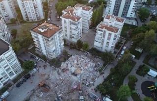 Bakan Açıkladı: İzmir'de Konutları 1 Yıl...
