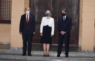 Cumhurbaşkanı Ersin Tatar Anastasiadis ile görüştü