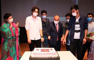 Başkan Altınok'tan Öğrencilere YKS Pastası