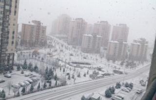 Ankara'da Kar Yağışı: Beyaza Büründü